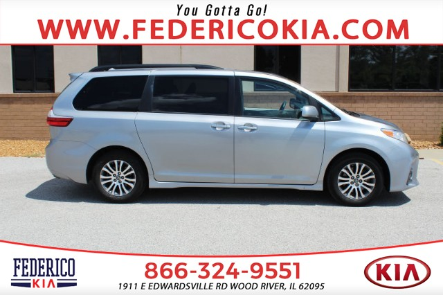 Pre-Owned 2018 Toyota Sienna XLE