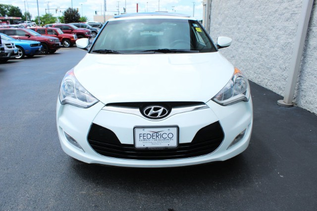 Pre-Owned 2016 Hyundai Veloster Style Package